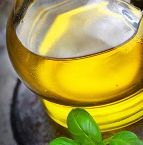 El aceite de oliva, fuente de salud y de empleo