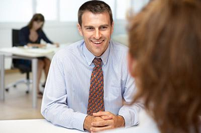Candidato de una entrevista de trabajo CUALIFICA2